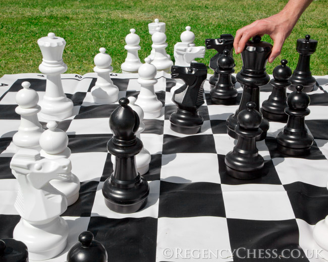 Large Garden Chess Set Rgc012 163 89 10 The Regency