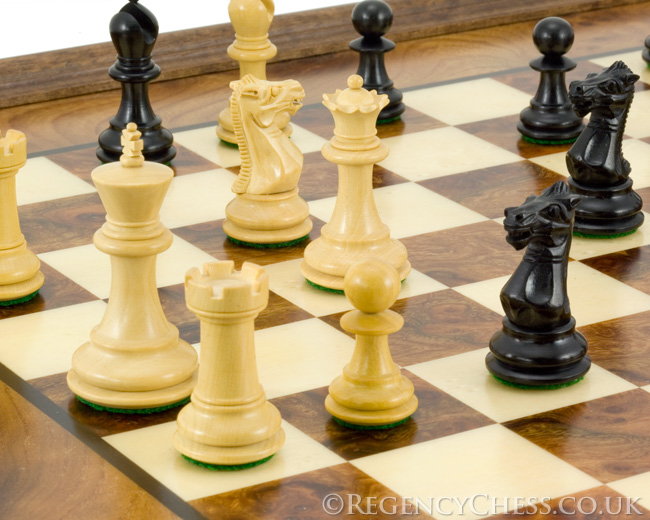 Sandringham Tres Corone Traditional Chess Set