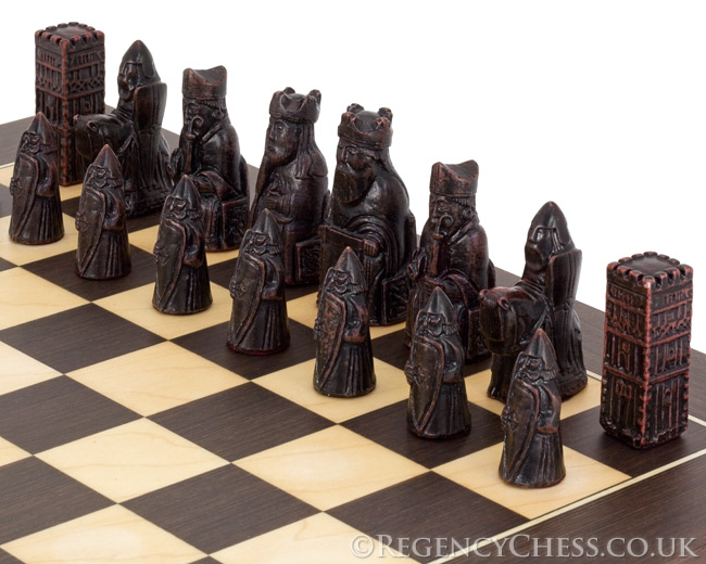 Isle Of Lewis Wenge Chess Set Compact