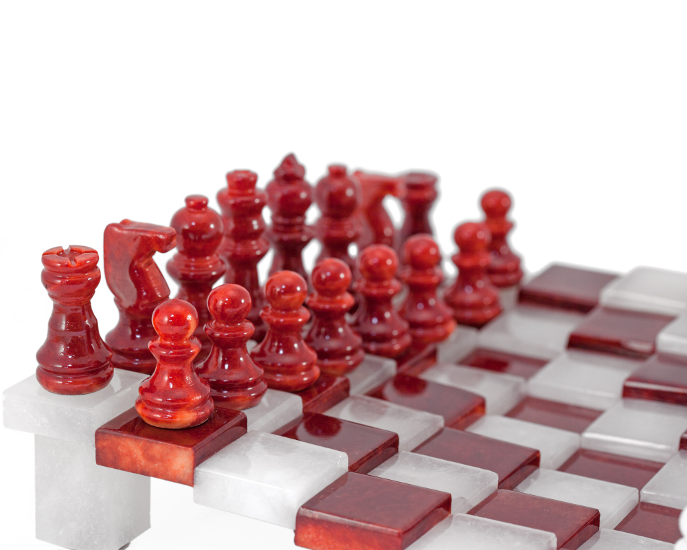 3 Dimensional Red Amp White Alabaster Chess Set 9 5 Inches
