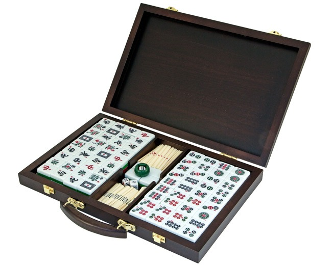 Luxury Mah Jong Set with Wooden Cabinet