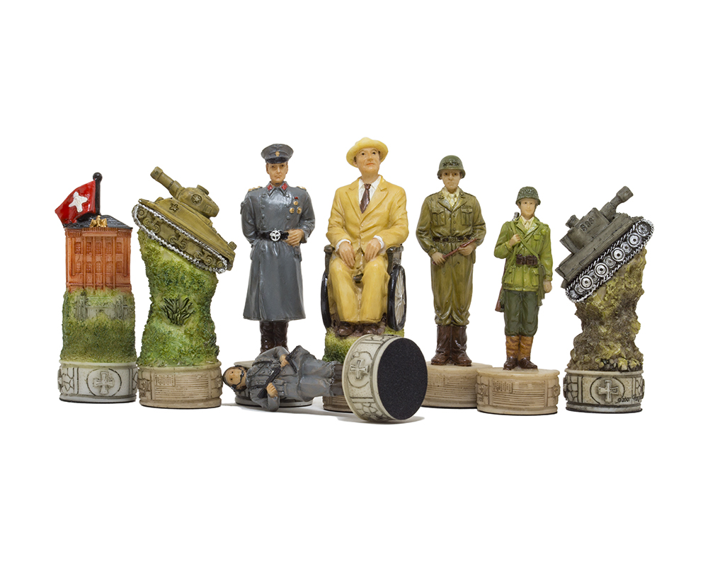 The Hitler Vs Roosvelt, second world war hand painted themed chess pieces by Italfama
