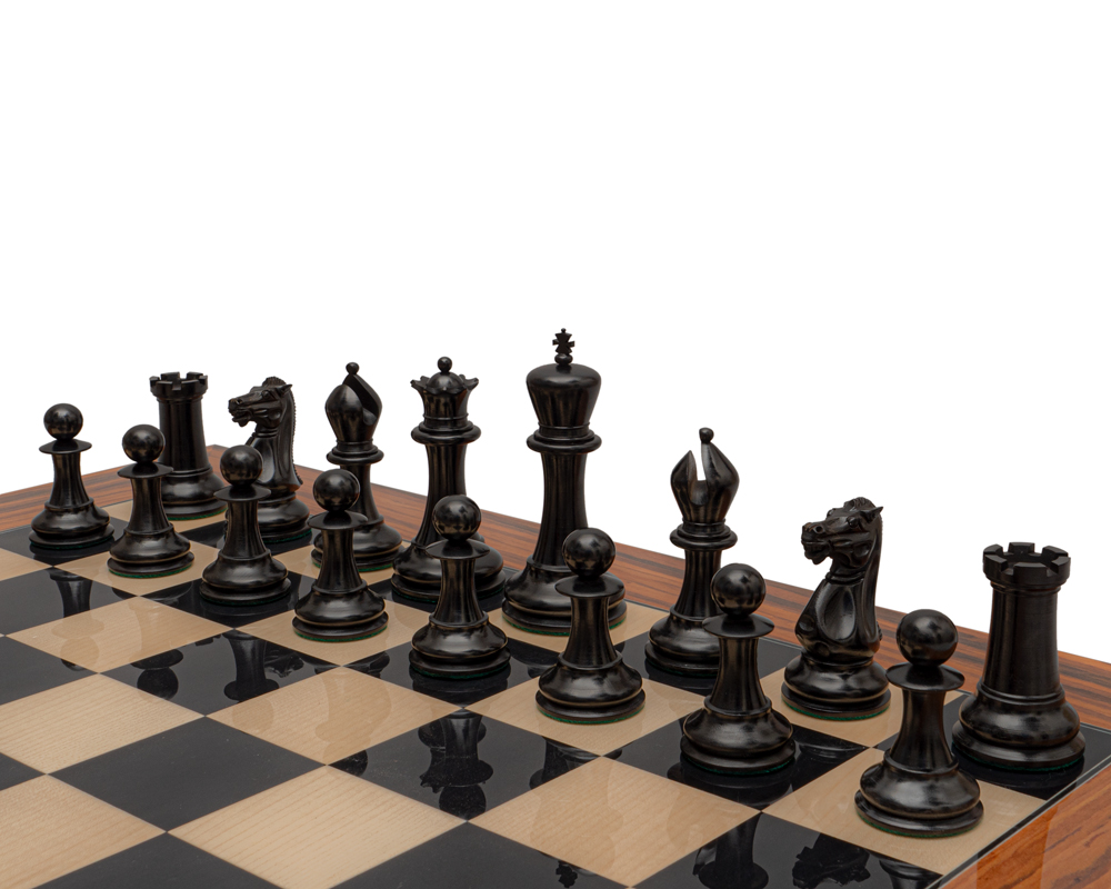 Reproduction Staunton Chessmen 1849 Model 4.4 inch King in Antiqued Boxwood and Ebony