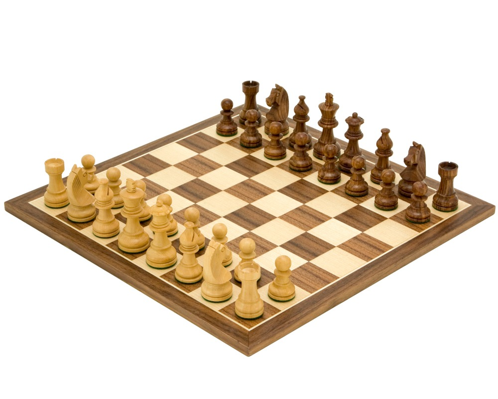 Down Head Knight Academy Medium Chess Set