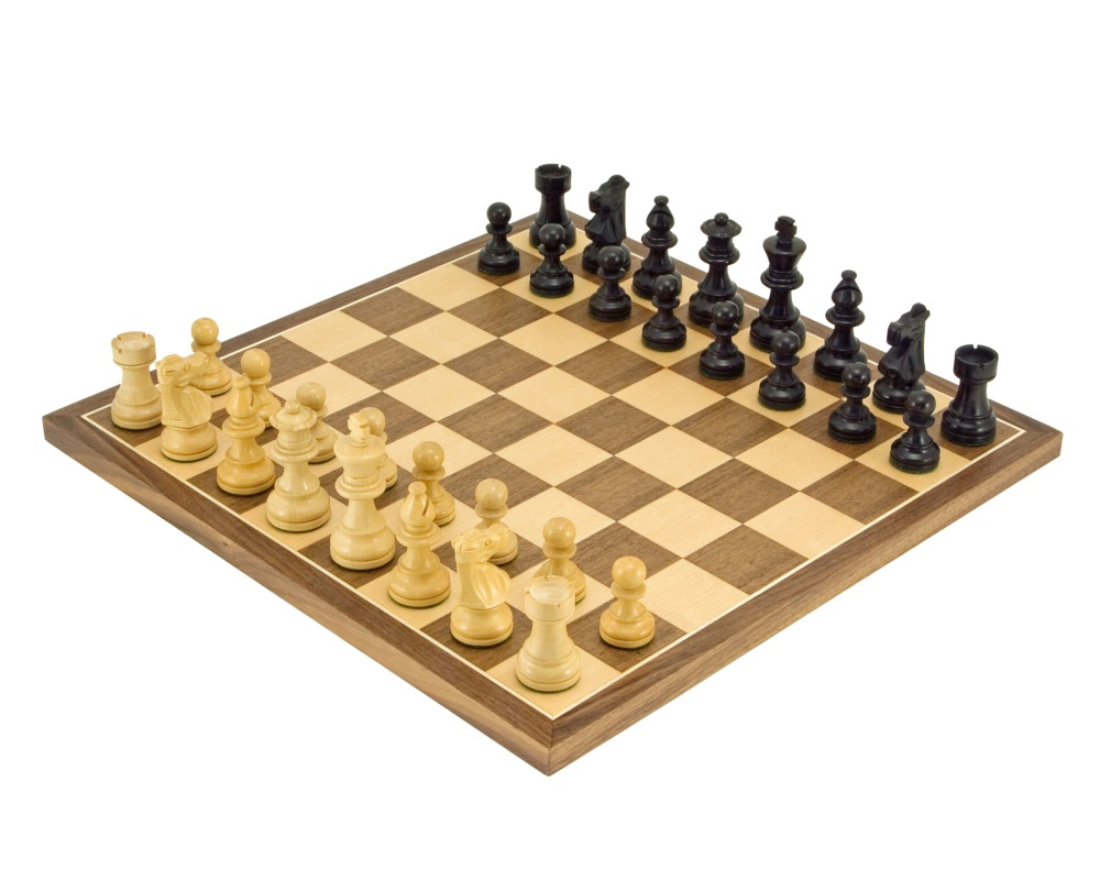 French Knight Ebonised Classic Chess Set