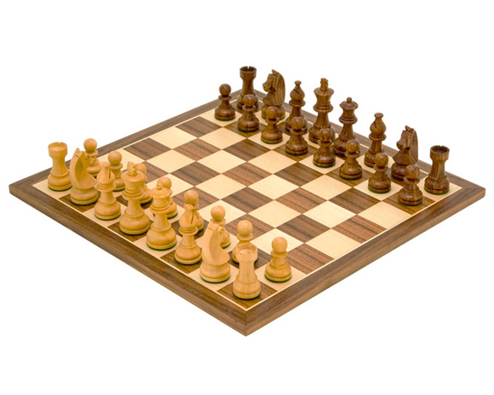 Down Head Knight Academy Small Chess Set