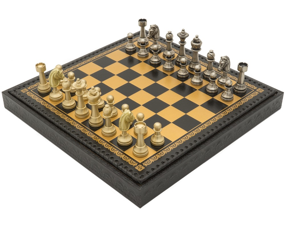 The Turin Nero Italian Chess Set