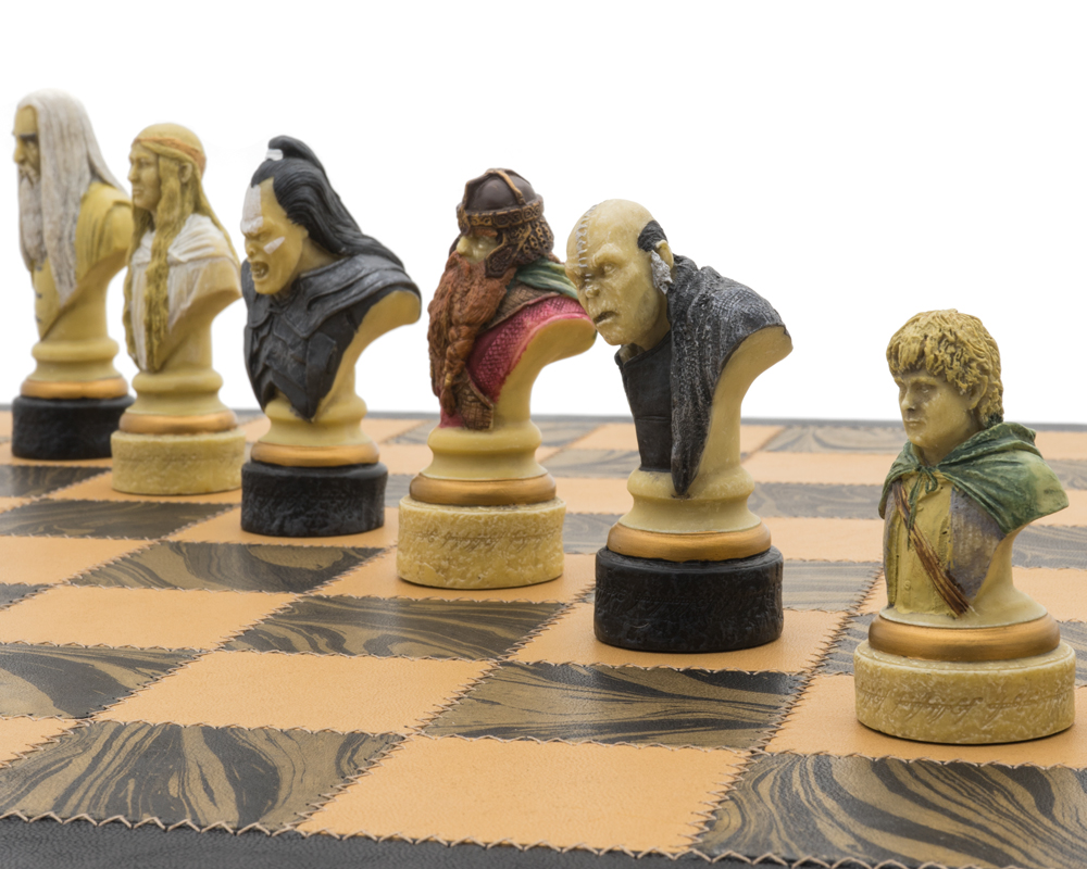 The Lord of The Rings Italian Leather Luxury Chess Set