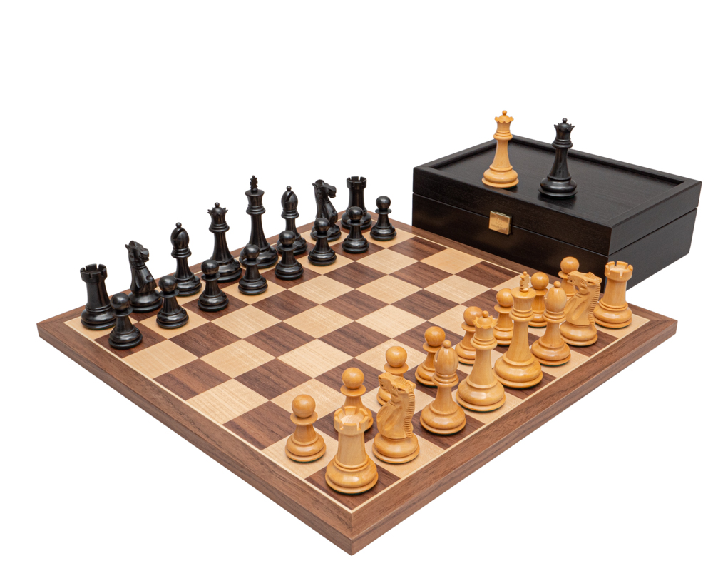 The Arundel Black and Walnut Classic Chess Set