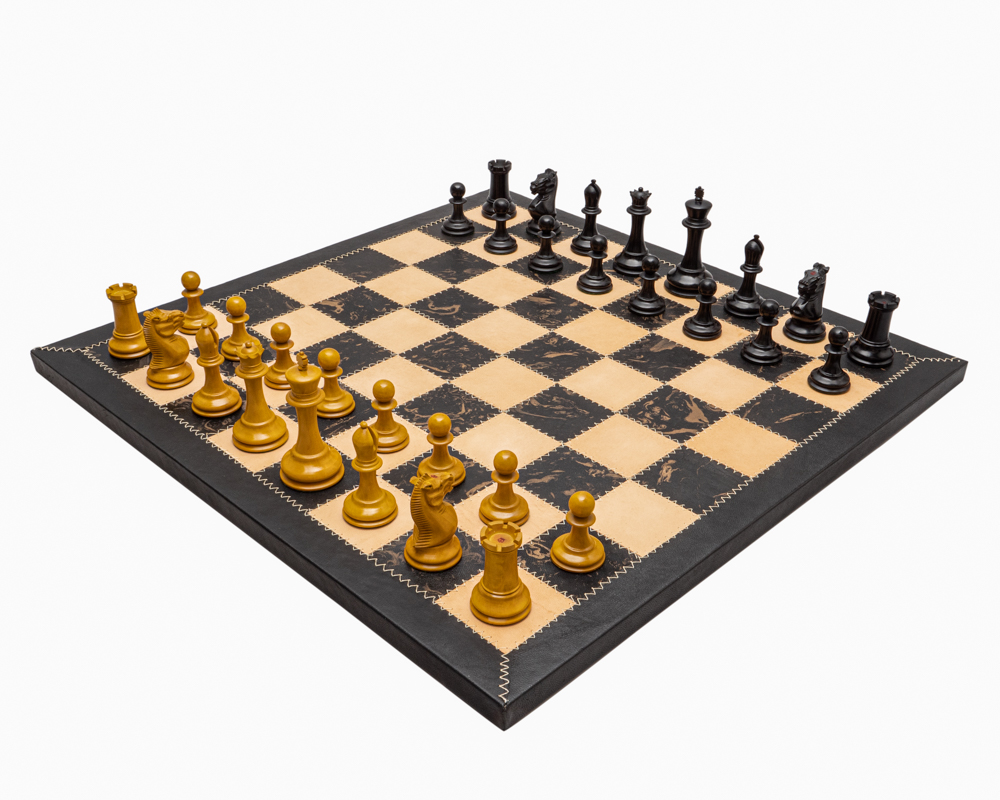 The Harrwitz Black and Leather Staunton Chess Set
