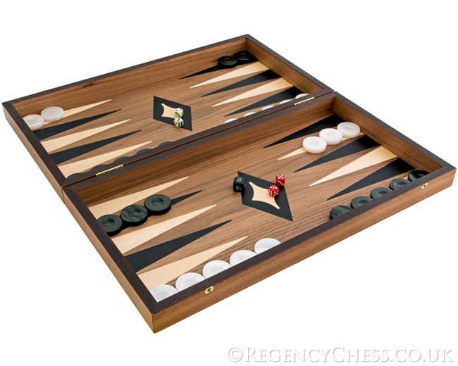 Manopoulos Deluxe Walnut and Maple Backgammon Set